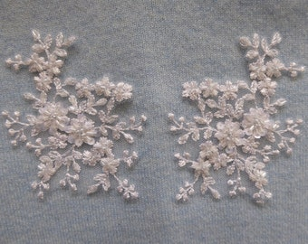 White beaded lace appliques for bridal and eveningwear, 1 Pair