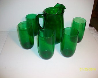 Anchor Hocking Forest Green Pitcher and 8 glasses