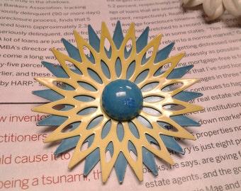 enamel flower vintage costume jewelry brooch pin large