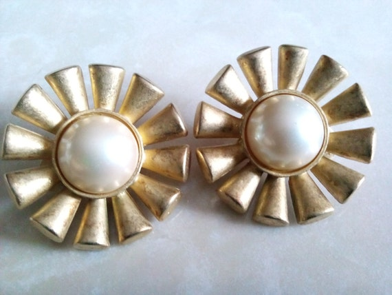 High end pearl jewelry : Erwin pearl earrings signed high end by jewel on etsy