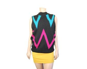 Medium Black Chevron Sweater Vest // Retro Sweater Vest // A40