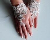 Ivory Wedding gloves, Fingerless Lace gloves, bridal gloves, fingerless gloves, Ivory lace gloves, White fingerless gloves