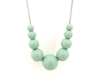 Mint green necklace, graduated wood bead necklace, beaded necklace, mom necklace, spring jewelry