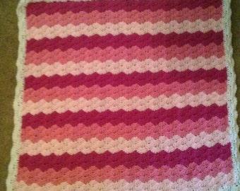 baby blanket , crib blanket,  afghan,  stroller  blanket,  afghan. Lot 117