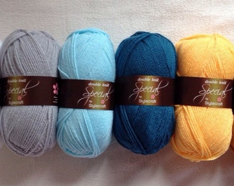 Stylecraft Special DK colour pack in yellow and blue 6x100g balls of yarn 'Daisy'