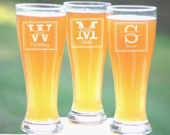 Personalized Wedding Glasses, 15 Etched Pilsners, Beer Glassware, Wedding Party Mug, Gifts for Groomsmen, Pint Beer Glasses