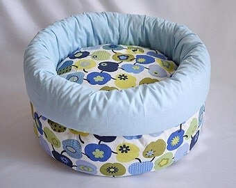 "cat bed, cat furniture, dog bed, pet bed with pillow ""apples"""