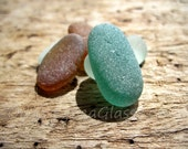 Beautiful jewelry-grade with unusual sea glass colors from the Peruvian coast HU-0033 - Beach in teal, seafoam, and burnt sienna