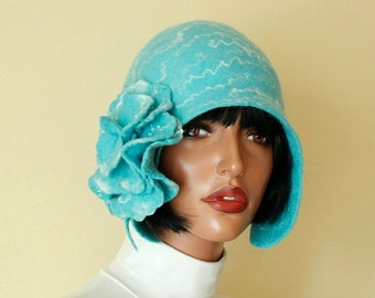 """Turquoise hat (Size 22 """" - 23"""") Pastel turquoise color hat Pastel turquoise cap Felted hat with brooch Light turquoise hat Felt hat 1920s"""