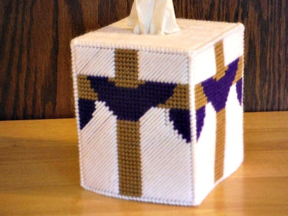 Easter cross plastic canvas tissue box cover easter gift he like this item negle Images