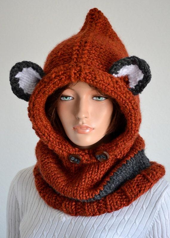 Handmade Failynn fox Cowl/ Knitted Wool Failyn Cowl/ Hooded