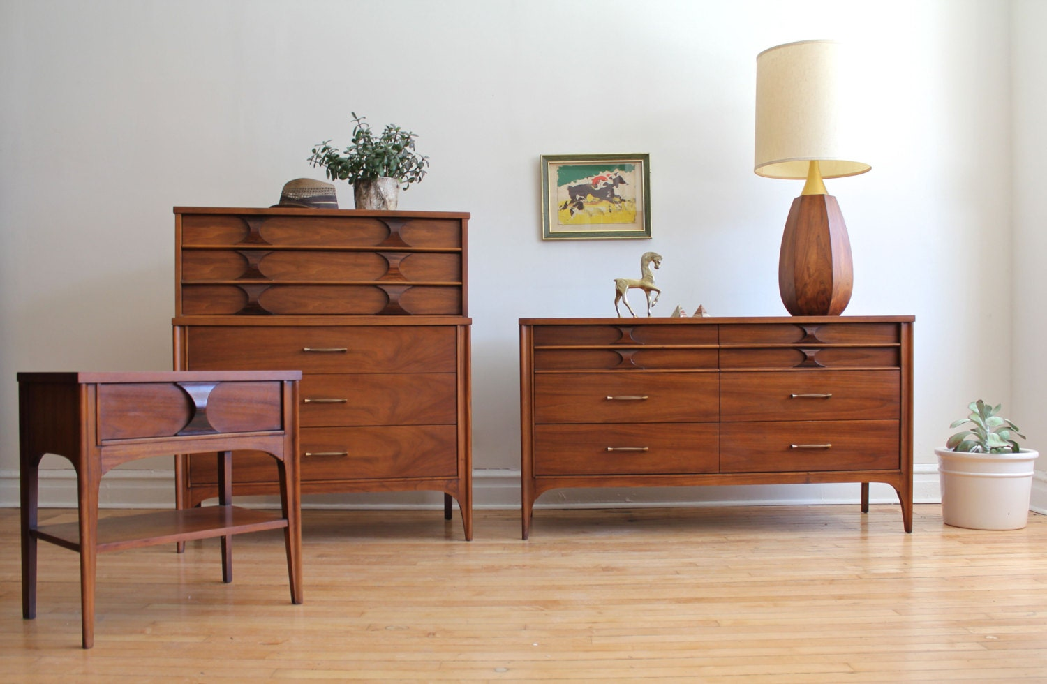 Kent coffey perspecta mid century modern bedroom set Mid century modern bedroom set
