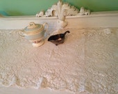 Vintage Quaker Lace Table Runner