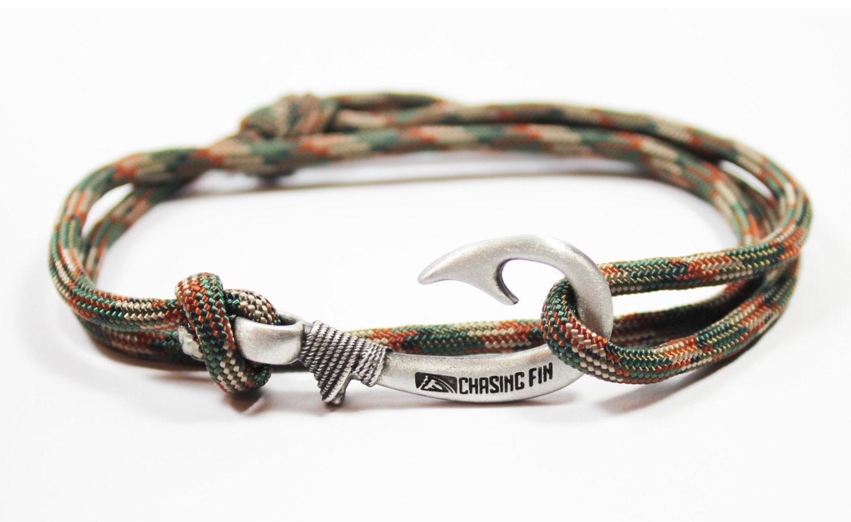new adjustable paracord hook bracelet woodland camo