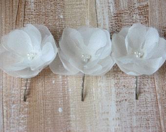 Ivory hair flower Ivory hair pins Ivory hair clips Wedding ivory flower Wedding tulle clips Petite hair flower 2 inch hair flower Set of 3