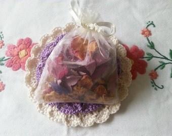 Hand picked UK real flower eco wedding celebration confetti 1 bag set