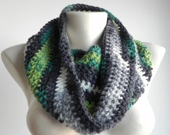 """Crocheted neckwarmer """"Melted green"""", winter accesories, infinity cowl, circular"""