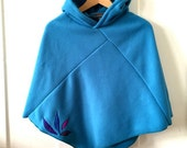 Sky blue Eco-fleece Poncho with purple petals
