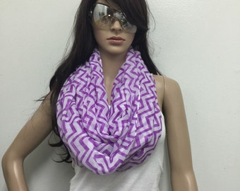 Zig Zag Infinity scarf , Chunky Infinity Scarf Loop Scarf,purple scarf , women scarf,Chunky lightweight infinity scarfs by  Lorenovedades