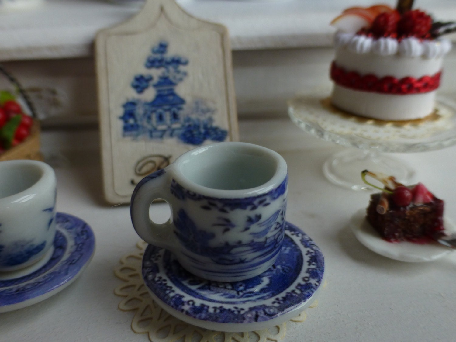 Blue Willow Coffee Mug And Plate For Dollhouse