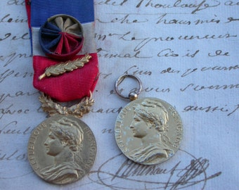 French  medal Antique 1959S sterling silver gold plated medal sword  vintage medal in original jewelry France woman portrait  ribbon star .