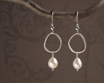 Pearl Earrings in Sterling Silver with One Pebble - Dangle Earrings in Sterling Silver with Freshwater Pearls - 00179 - READY TO SHIP