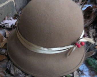 Vintage Wool Hat Beige Brimmed Beauty