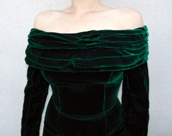 Vintage Emerald Green Velvet Dress