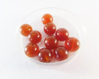 D-01628 -  10 Red agate beads 8mm