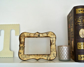 Distressed Olden European Style Wood Picture Frame