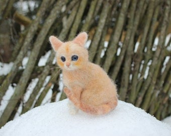 Ready to ship!Needle felted  cat.  Miniature, soft sculpture, needle felted  animal,pet miniature