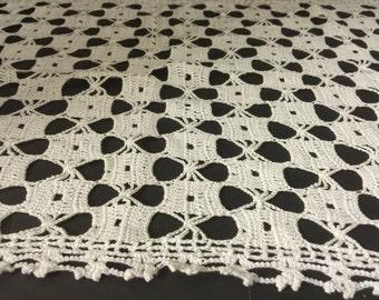 Hand Crocheted Dresser Scarf, Doily, Vintage