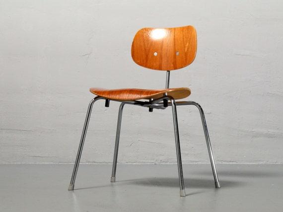 wilde und spieth stuhl se 68 von egon eiermann stuhl nussbaum. Black Bedroom Furniture Sets. Home Design Ideas