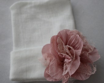Newborn White Beanie Hat, Cotton, Hospital Hat, Shabby Flower, Going Home, Mauve Pink Flower