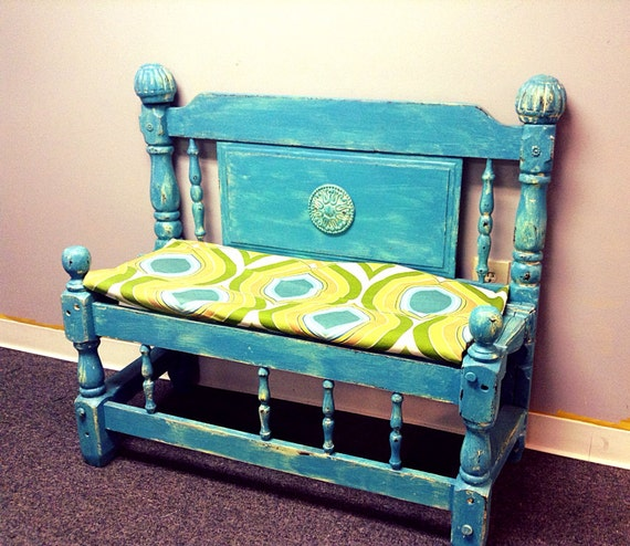 DIY Repurposed Antique Bed Frame And Reclaimed
