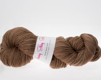 Dark Camel - Luxury Fingering Weight - Merino, Cashmere & Nylon - 100 g - 425 yds