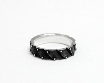 "SALE -15% OFF Sterling Silver Industrial Ring ""Ligarendum"""