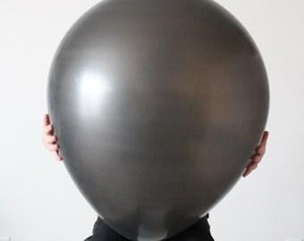 28 Inch Black Round Latex Balloon (Premium Helium Quality)