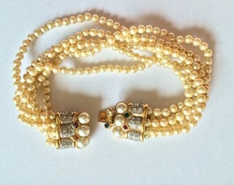 VOGUE Bijoux vintage bracelet, pearls and rhinestones, golden metal, designer vintage jewery, bridal, wedding, swarovski