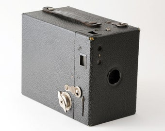 Vintage Kodak Hawkeye Model B Box Camera 1930s 620 Roll Film Camera