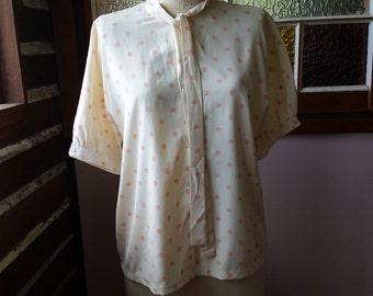 Vintage polka dot peach and cream polyester Sportscraft blouse with neck sash ties size 18