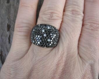 Estate Vintage 14 KT White Gold Pave Scattered Black & White Diamond Cigar Band Ring