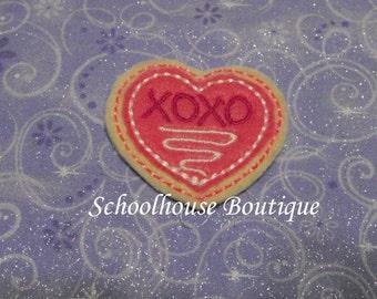XOXO Hugs and Kisses Valentine Heart Cookie felties, feltie, machine embroidered, felt applique, hairbow center, felt embellishment