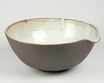 Large Ceramic Pour Bowl, Stoneware Mixing Bowl, Serving Bowl, Kitchen Prep