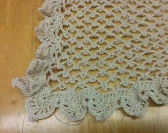 Handmade irish crochet shawl in beige- Shawl beige pour femme