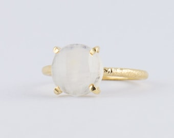 red moonstone ring - photo #25