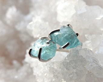 rough crystal earrings, bridal jewelry, raw crystal stud earrings, small gemstone studs, raw apatite earrings, blue gemstone stud earrings