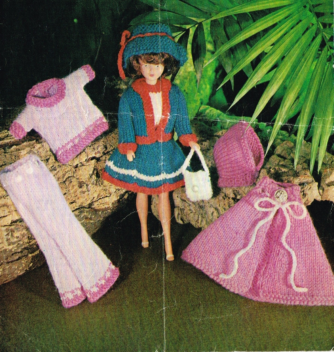 12 Dolls clothes knitting pattern. Barbie or Sindy.