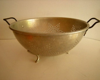 colander-colander with legs-kitchen utensils-wall display-dented-rustic-aluminum-fruit bowl-