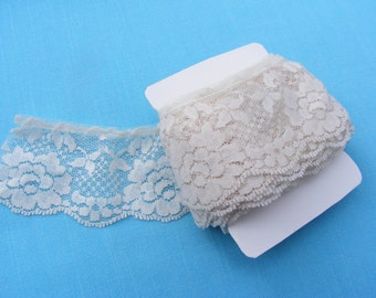 Ruffled Ivory Lace (3 yards)
